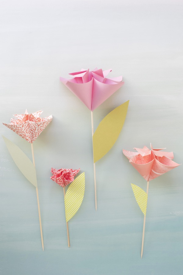 Kusudama Flower Cake Topper DIY | Oh Happy Day!