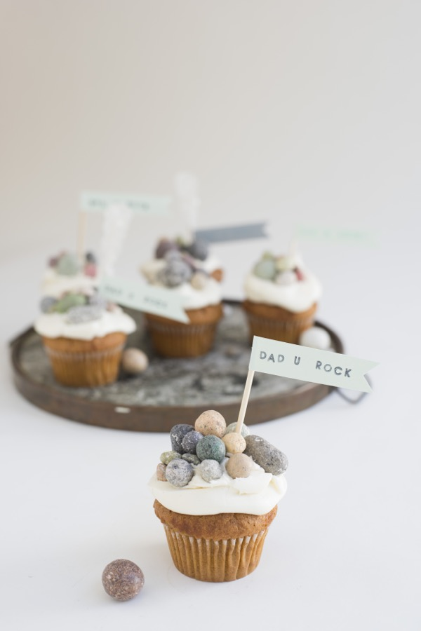 """""""You Rock"""" Cupcakes 
