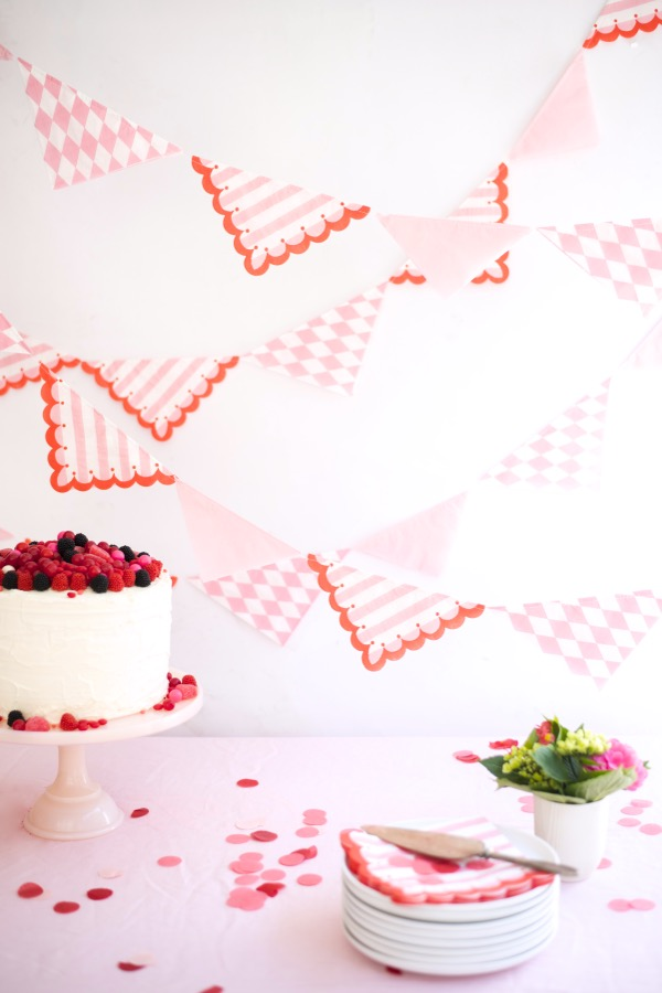 Pretty Paper Napkin Garland DIY | Oh Happy Day!