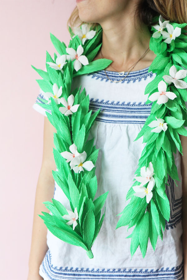 Lei Can Be Made With Construction Paper Yarn Solid: Crepe Paper Lei DIY + A Giveaway