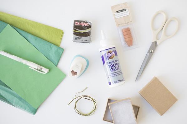 Miniature Shamrock Mailer DIY | Oh Happy Day!