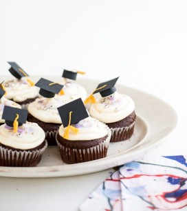 grad_cupcake