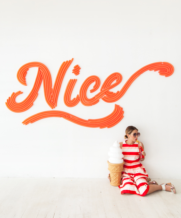 DIY Cursive Word Balloon Backdrop | Oh Happy Day!