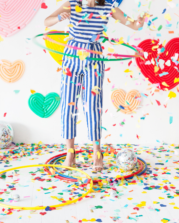 Valentine's Day Heart Balloon Wall | Oh Happy Day!