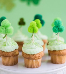Pom Pom Shamrock Cupcake Topper DIY | Oh Happy Day!