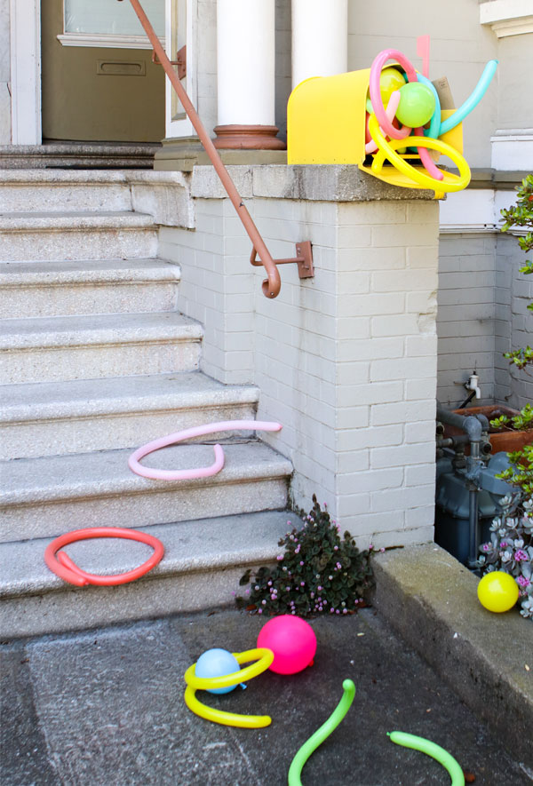 Balloons In Things: Mailbox | Oh Happy Day!