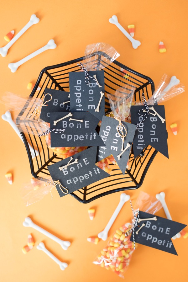 """Bone Appetit"" Halloween Treats DIY 