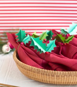 3-D Holly Napkin Rings | Oh Happy Day!