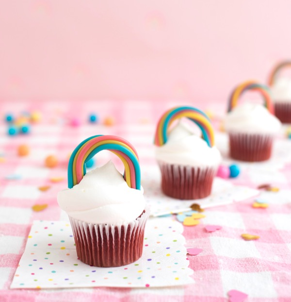 Twizzler Rainbow Cupcake Toppers DIY | Oh Happy Day!