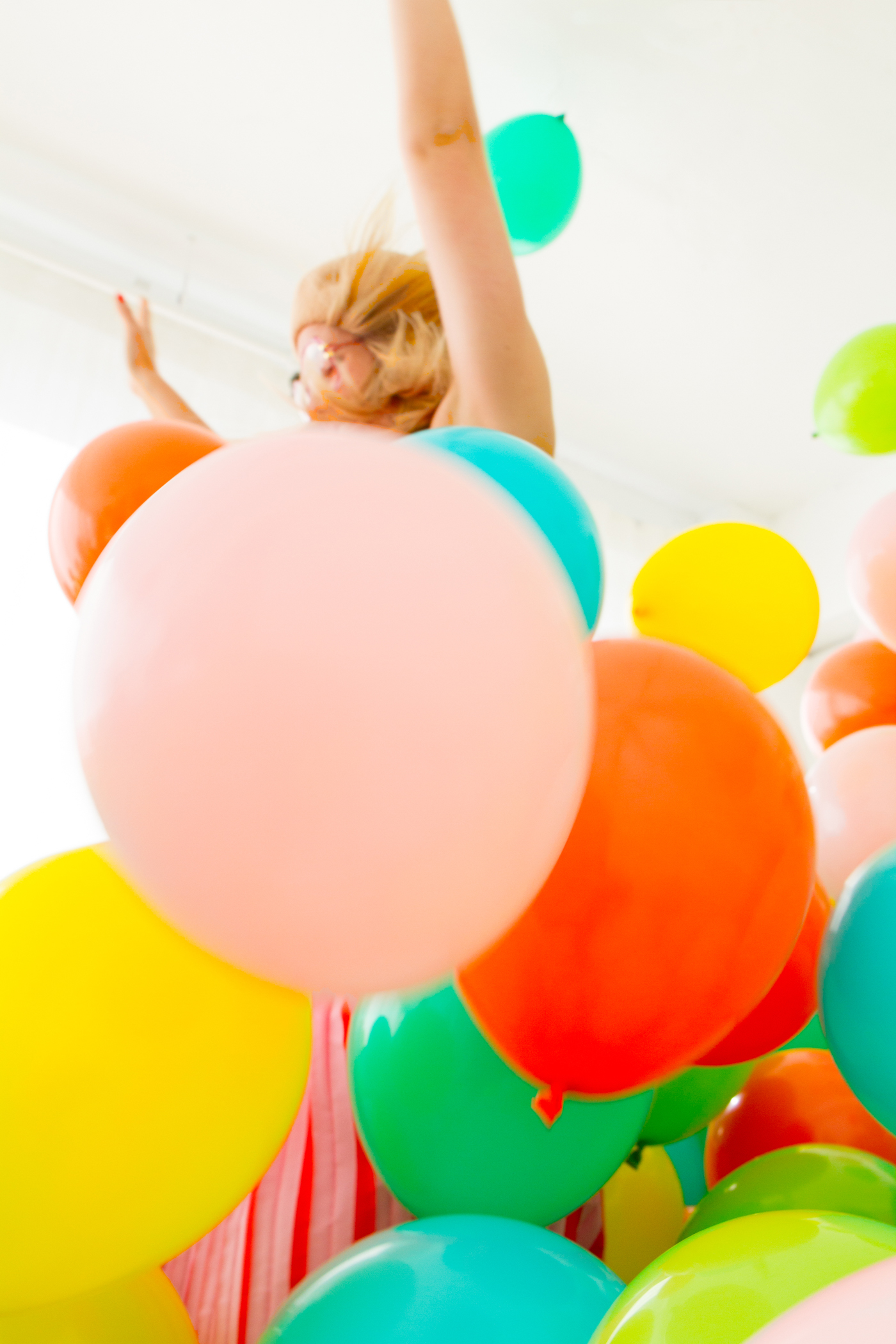 This Is What 1,000 Balloons Looks Like | Oh Happy Day!