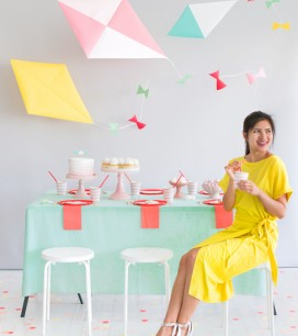 Giant Hanging Kite Centerpiece | Oh Happy Day!