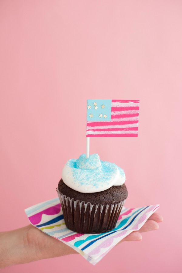 American Flag Cupcake Toppers DIY | Oh Happy Day!