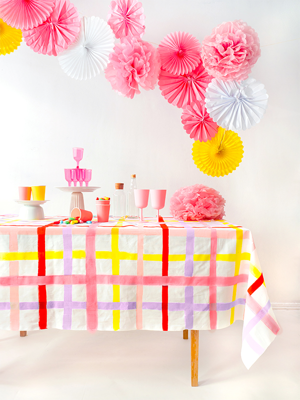 Gingham Tablecloth DIY | Oh Happy Day