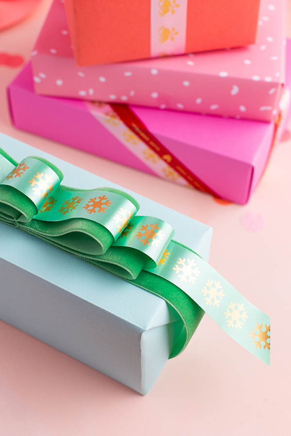 Pleated Gift Bows | Oh Happy Day